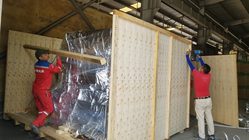 Dịch vụ đóng thùng gỗ chuyển hàng cho máy móc tại KCN Quang Châu