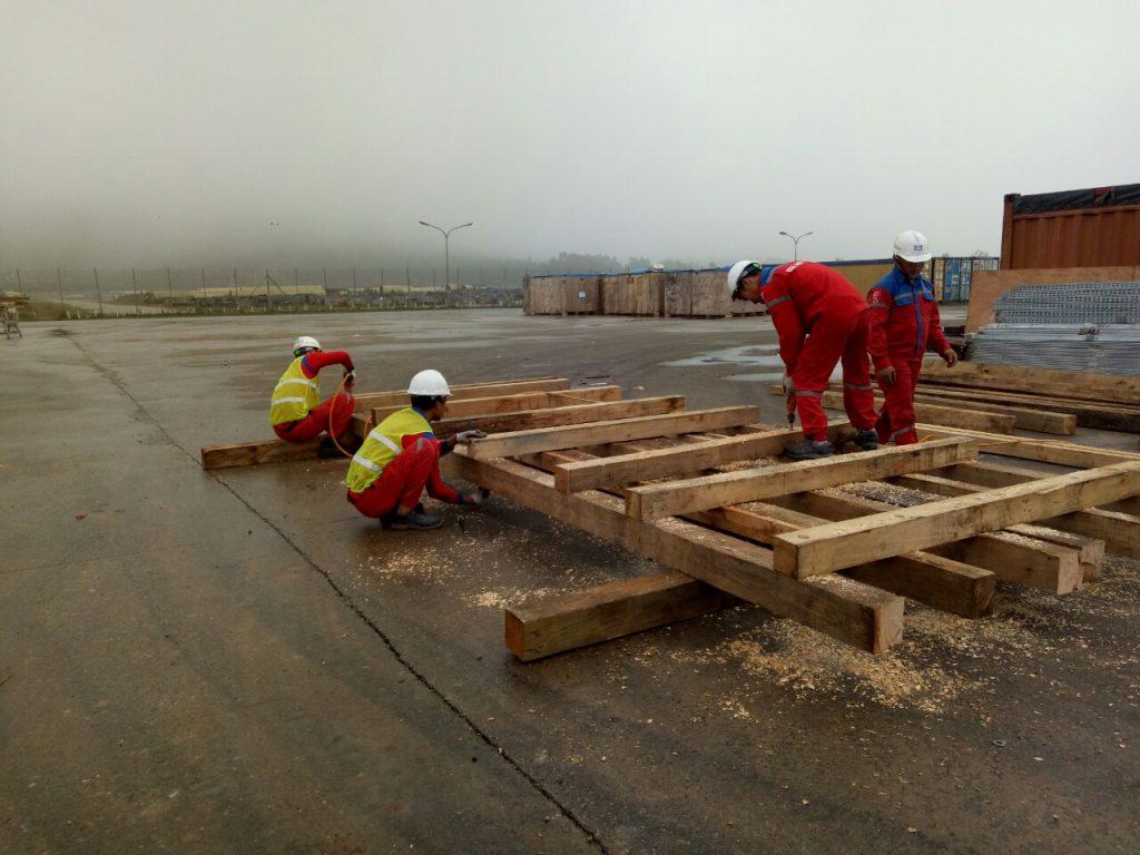 Dịch vụ đóng pallet gỗ chứa hàng