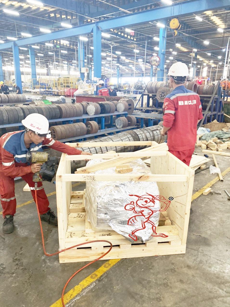 Đóng kiện gỗ tại Khu công nghiệp Tóc Tiên Bà Rịa - Vũng Tàu